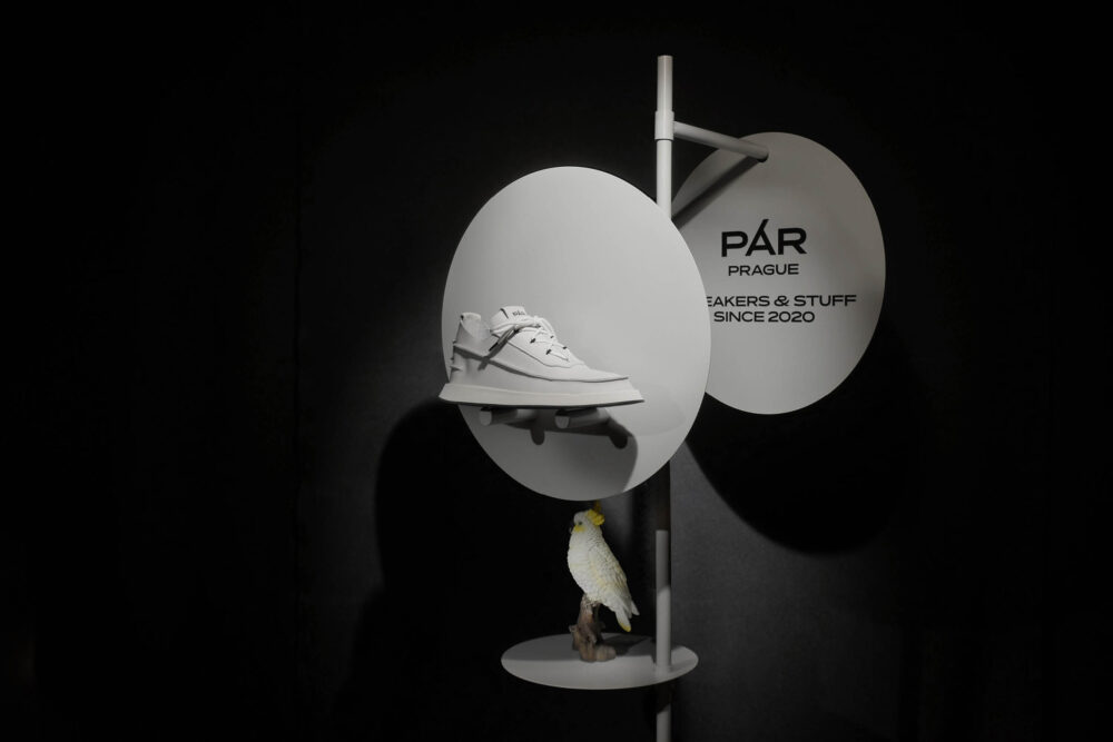 We are PÁR, not parrots!